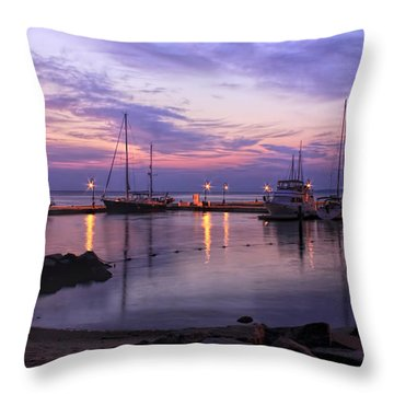 Throw Pillow featuring the photograph Dawn In Yorktown Virginia by Ola Allen