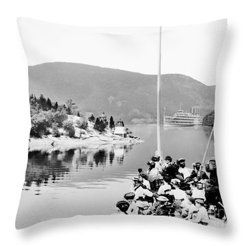 Dayliner At The Narrows In Black And White Throw Pillow