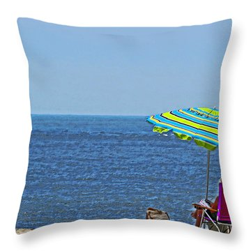 Daytime Relaxation Throw Pillow