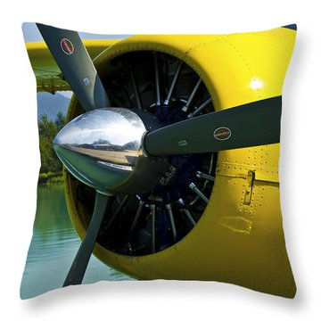 de havilland Beaver Throw Pillow