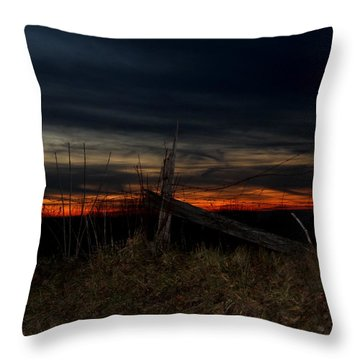 December Sunset On Point Mountain Throw Pillow