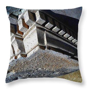 Dent Espace La Verite Trebuche Sur La Place Publique Throw Pillow