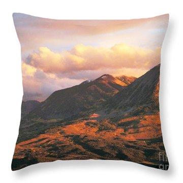 Descending To Splendor  Throw Pillow