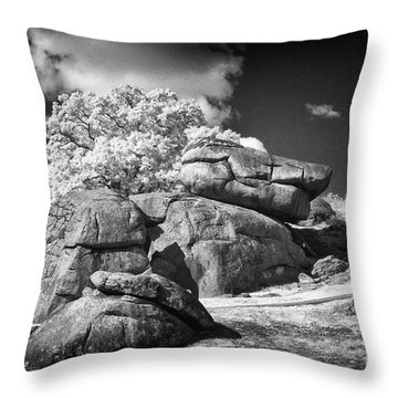 Devils Den - Gettysburg Throw Pillow