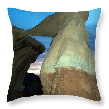 Devil's Garden Metate Arch 008 Throw Pillow