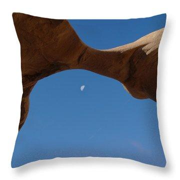 Devil's Garden Metate Arch 014  Throw Pillow