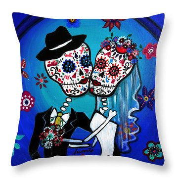 Dia De Los Muertos Kiss The Bride Throw Pillow