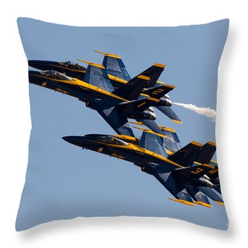 Diamond 360 Throw Pillow