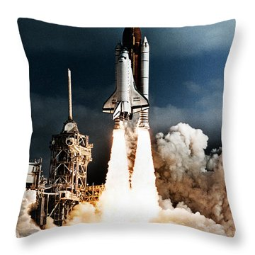 Discovery Hubble Launch Sts-31 Throw Pillow