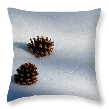 Dos Throw Pillow by Feva  Fotos