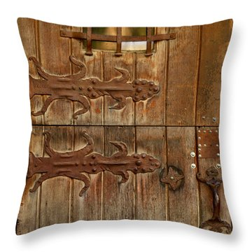 Double Hinges Throw Pillow