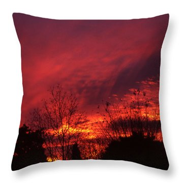 Dundee Sunset Throw Pillow