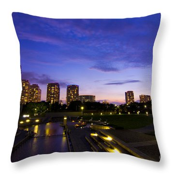 Dusk At Rinko Park In Yokohama Throw Pillow