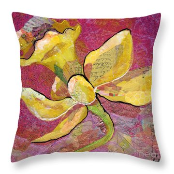 Early Spring Iv Daffodil Series Throw Pillow