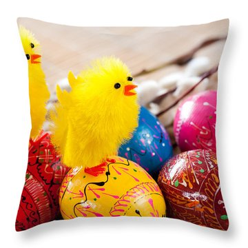 Easter Eggss And Yellow Fluffy Chickens  Throw Pillow