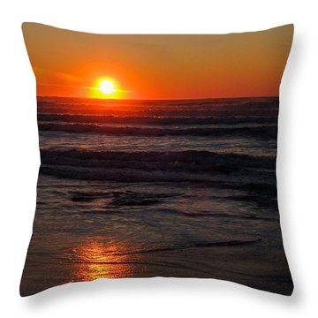Throw Pillow featuring the photograph Easton Beach Sunrise by Nancy De Flon
