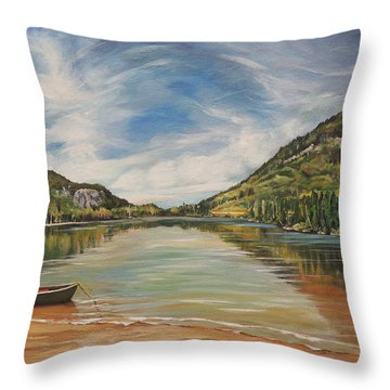 Echo Lake In Franconia Notch New Hampshire Throw Pillow