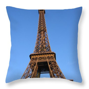 Eiffel Tower 2005 Ville Candidate Throw Pillow