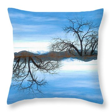 El Abuelo Del Cielo Throw Pillow
