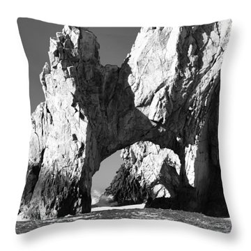 El Arco In Black And White Throw Pillow by Sebastian Musial