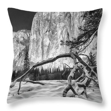 El Capitan I Throw Pillow