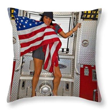 El Paso Drag20 Throw Pillow