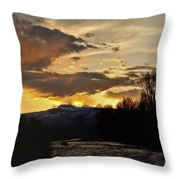 Elk River N Pilots Nob Sunset Ver 2 Throw Pillow by Daniel Hebard
