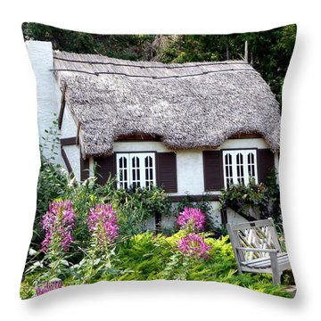 English Gardens Repose Throw Pillow