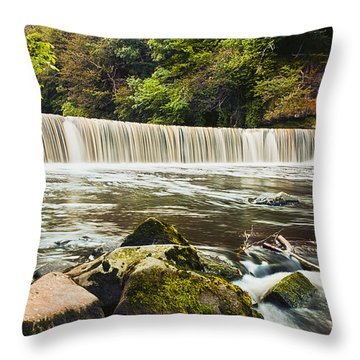 Fair A' Far Dam Throw Pillow