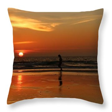 Family Reflections At Sunset - 5 Throw Pillow