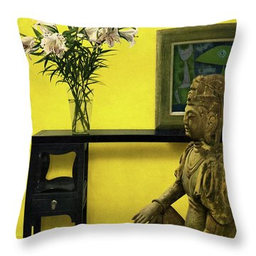 Far-east Influenced Decoration Throw Pillow