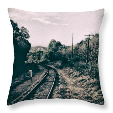 Ferrocarril Throw Pillow