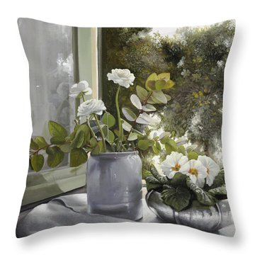 Fiori Bianchi Alla Finestra Throw Pillow