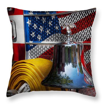Usa Throw Pillows