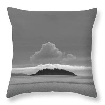 Flat Top Island Bw Throw Pillow