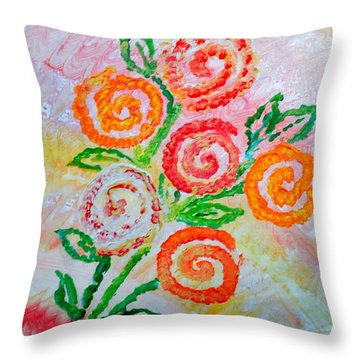 Floralen Traum Throw Pillow