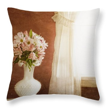Flowers For Mom Throw Pillow