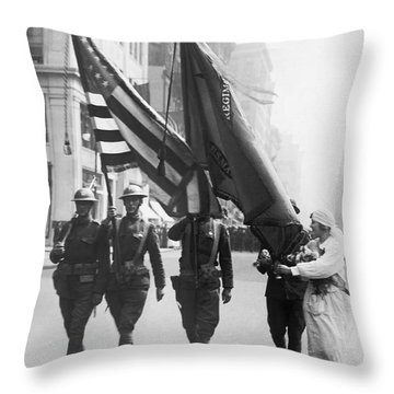 Flowers For Wwi Troops Parade Throw Pillow