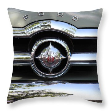 Ford V8 1949 - Vintage Throw Pillow