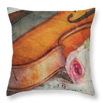 Fragrant Musik Throw Pillow