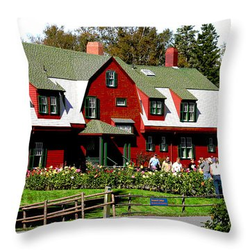 Franklin D. Roosevelt Cottage Campobello Nb Throw Pillow