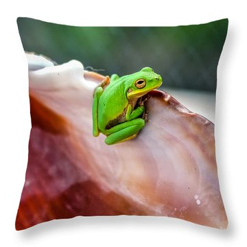 Throw Pillow featuring the photograph Frog In A Cockle by Rob Sellers