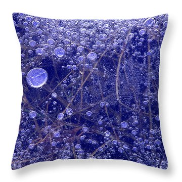Frozen Bubbles In The Merced River Yosemite Natioinal Park Throw Pillow