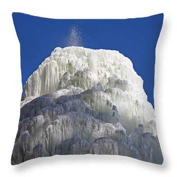 Spectacular Ice Fountain In Letchworth State Park - 2 Throw Pillow