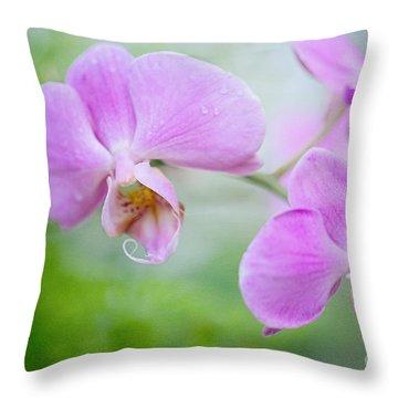 Garden Dally Throw Pillow