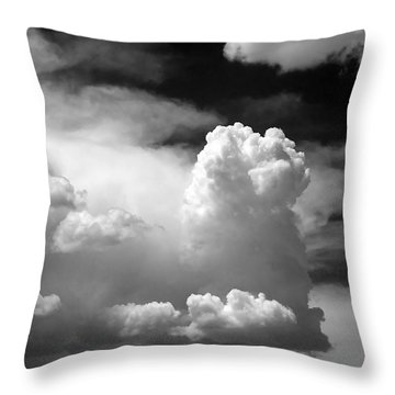 Garfield In The Skies Throw Pillow