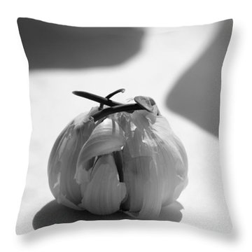 Garlic Cove B1 Throw Pillow