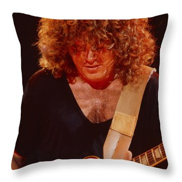 Gary Richrath Of Reo Speedwagon At Oakland Auditorium 1979 Throw Pillow