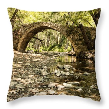 Gelefos Old Venetian Bridge Throw Pillow