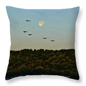 Geneseo Air Show Throw Pillow by Richard Engelbrecht